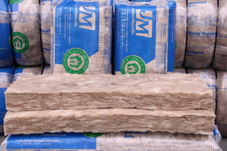 R 21 unfaced high density 5 5 in x 15 in x 93 in batts for High density fiberglass batt insulation